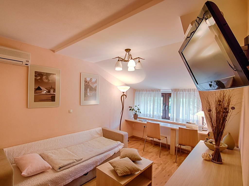 Gostilna-LIPAN_Poročna-soba